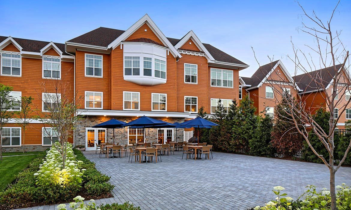 Maplewood at Stony Hill offers the finest in senior living in Bethel.