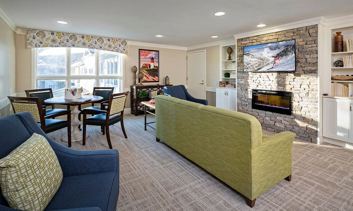 There are so many wonderfully comfortable places to relax or socialize with friends at Maplewood at Mayflower Place.