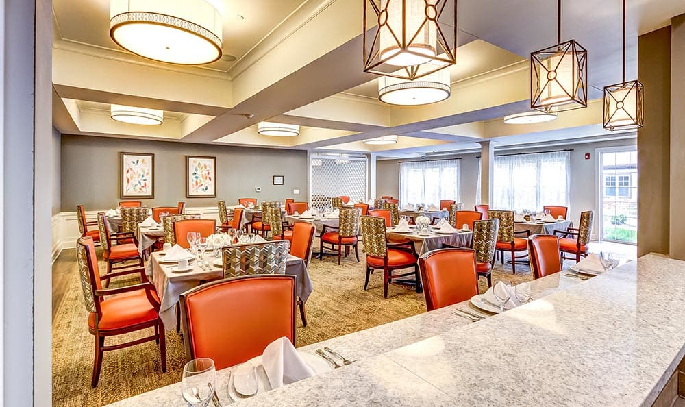 Twinsburg dining room at Maplewood at Twinsburg in Twinsburg, OH