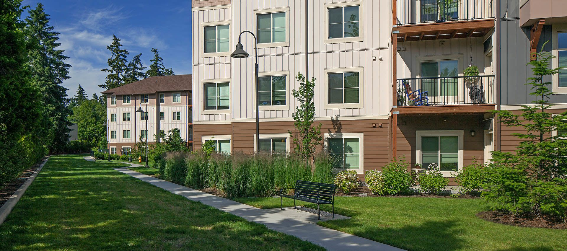 Apartment Exterior With Nice Landscaping at Eddyline at Bridgeport in Portland, OR