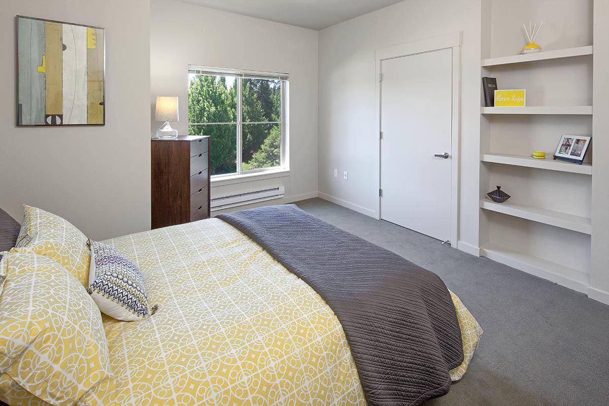 Master Bedroom At At Eddyline at Bridgeport In Portland