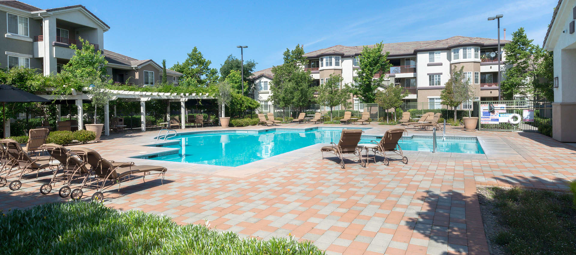 Expansive Pool Deck With Spa at The Artisan Apartment Homes