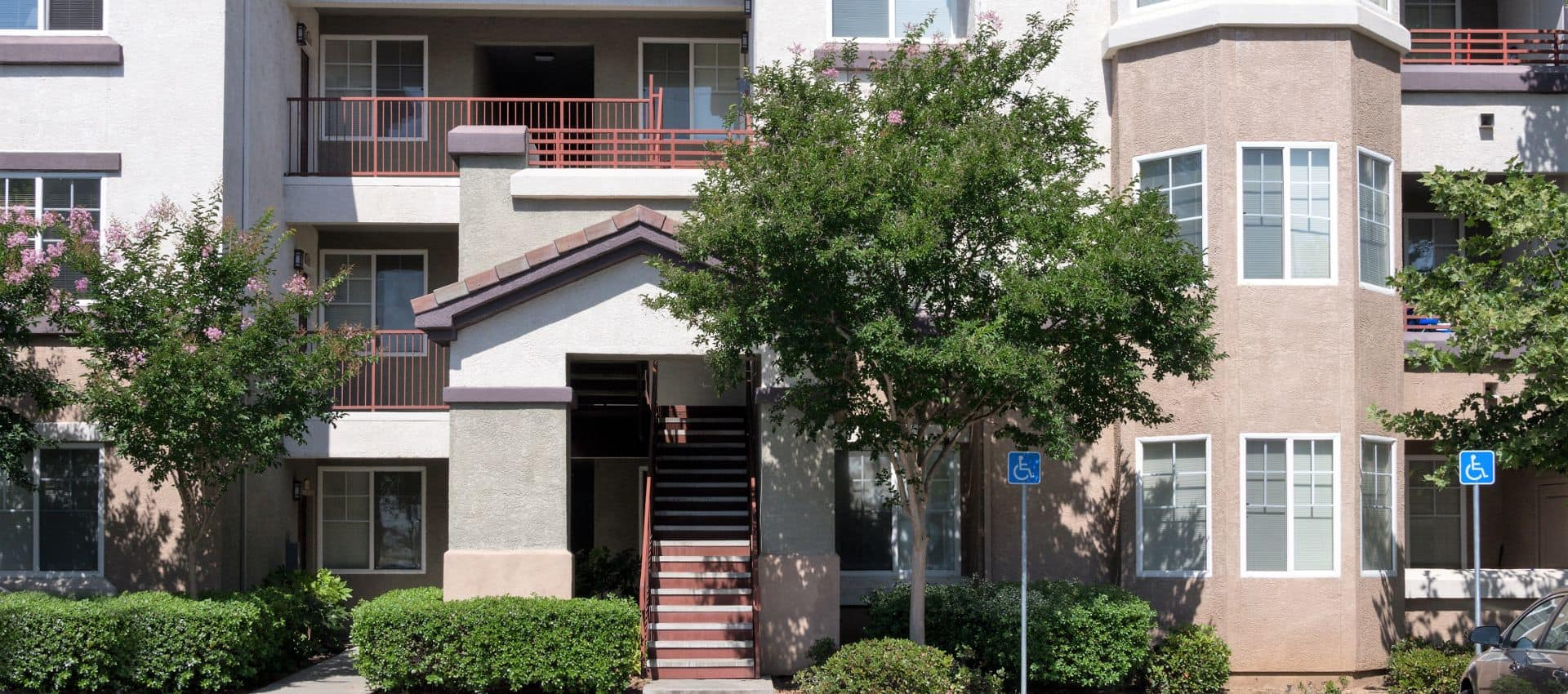 The Artisan Apartment Homes is in Sacramento, CA