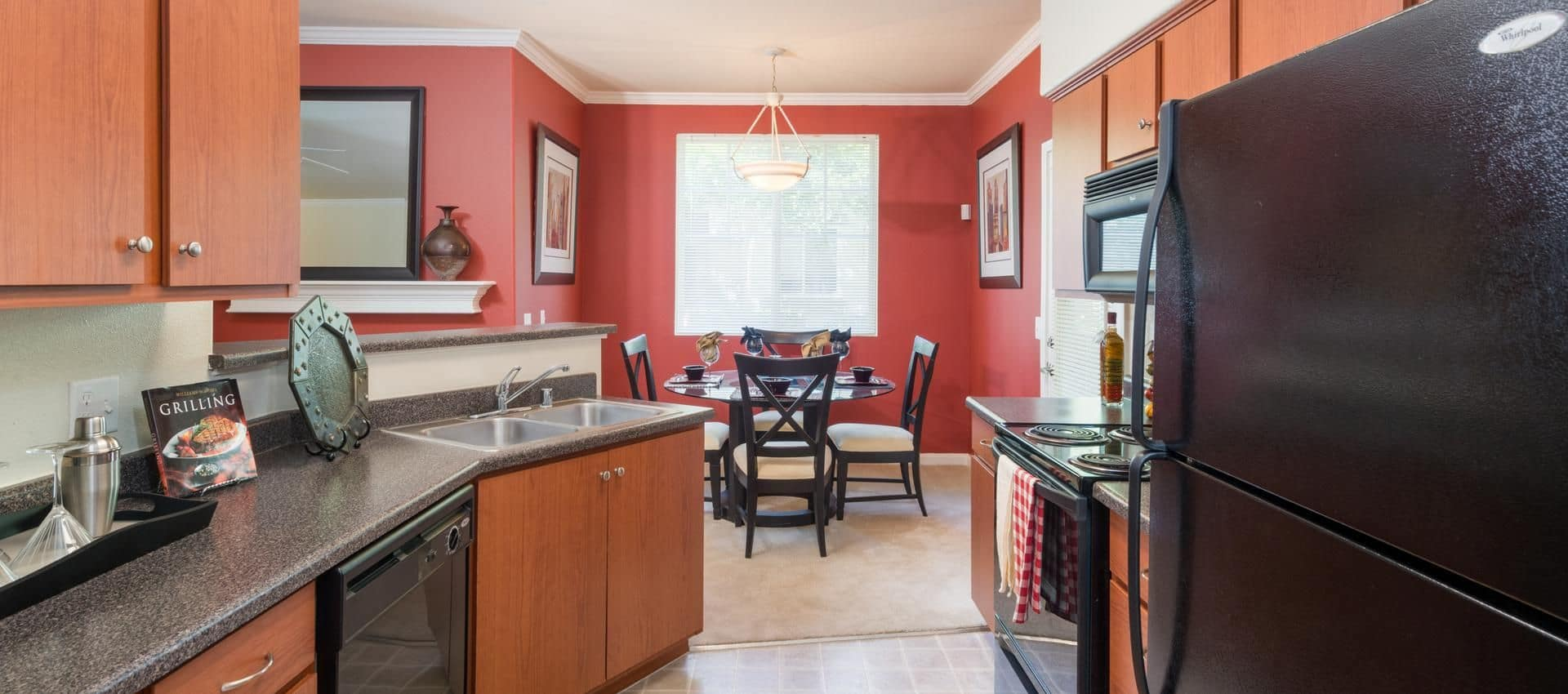 The Artisan Apartment Homes's Kitchen And Dining Room in Sacramento, CA