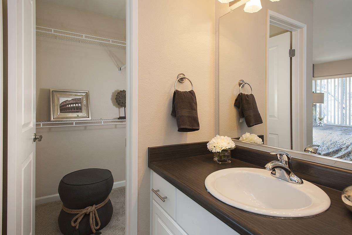 Luxurious Kitchen at The Artisan Apartment Homes