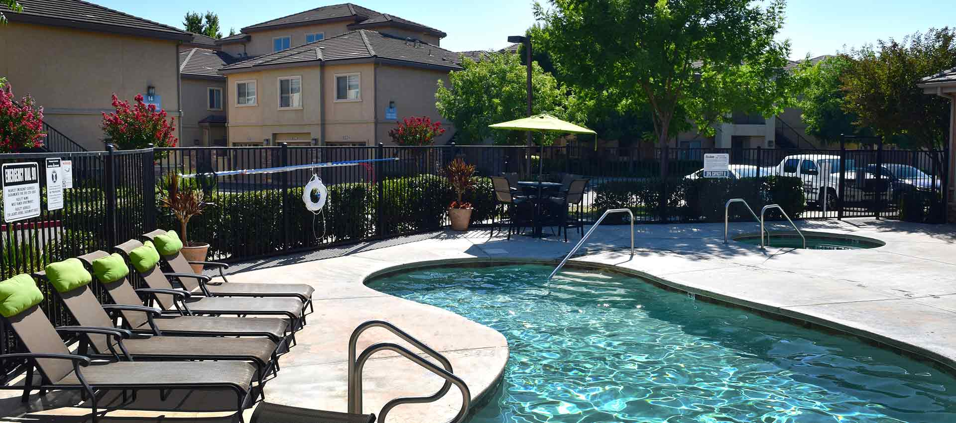 Expansive Pool Deck With Spa at Wolf Ranch Condominium Rentals