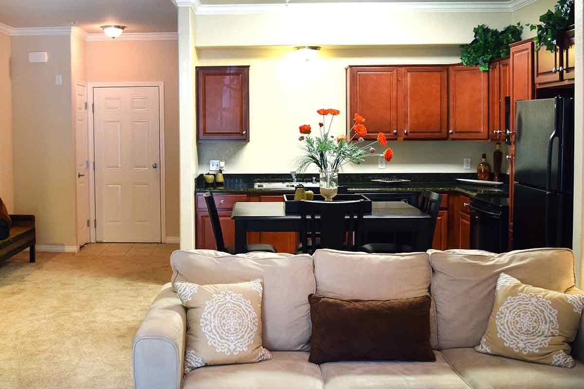 Open floor plans at Wolf Ranch Condominium Rentals in Sacramento