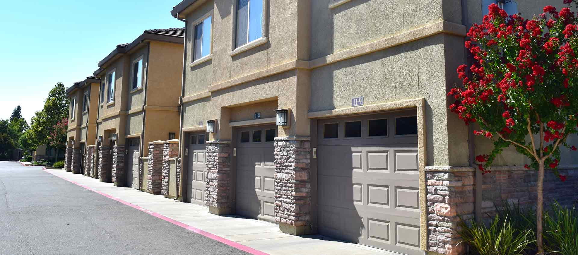 Wolf Ranch Condominium Rentals garages