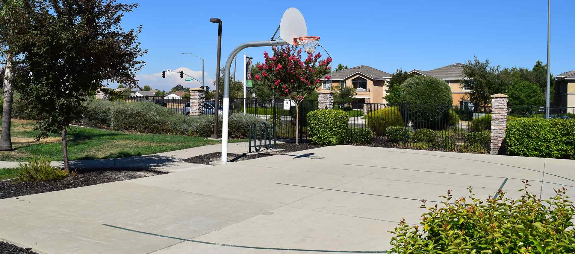 Great sports court at Wolf Ranch Condominium Rentals in Sacramento