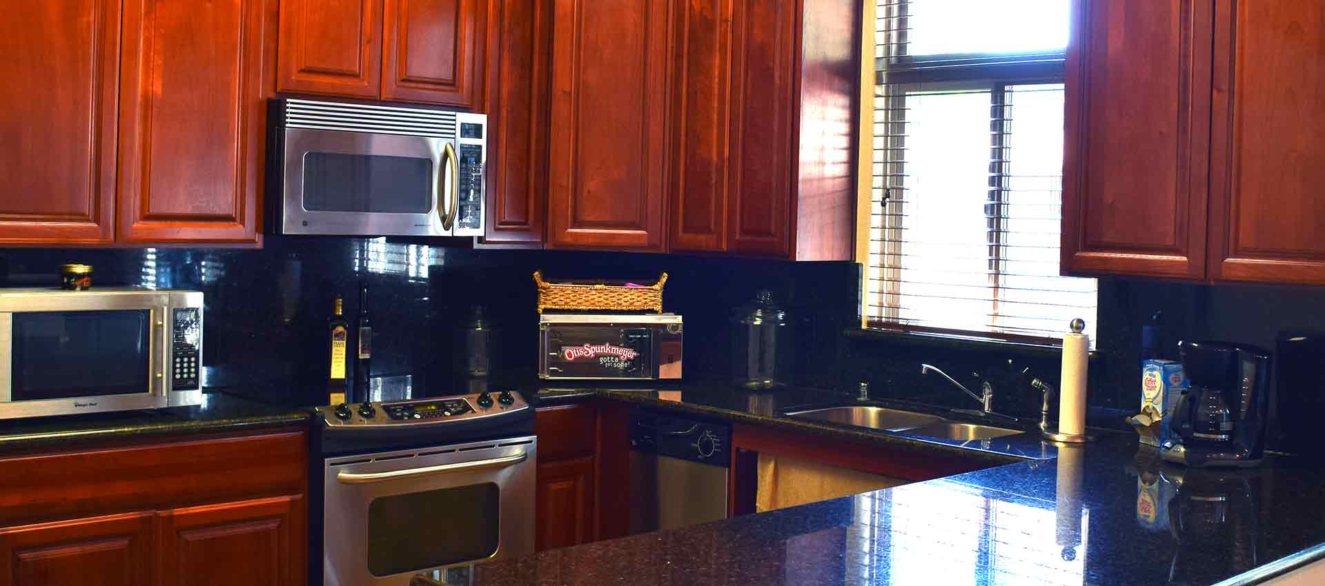 Beautiful kitchen at Wolf Ranch Condominium Rentals in Sacramento
