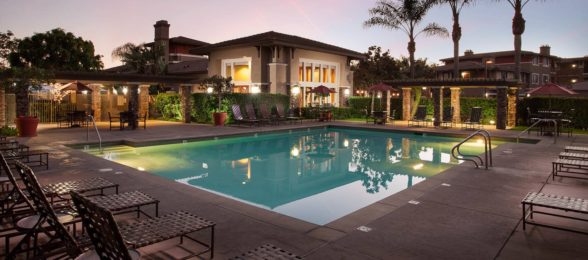 Expansive Pool Deck With Spa Amenities Gallery