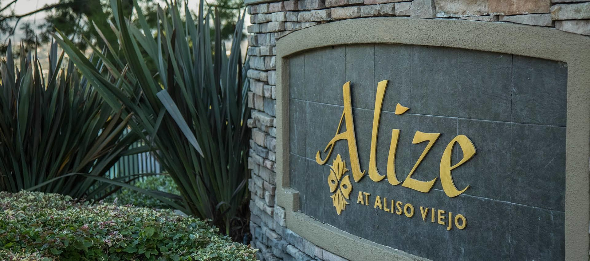Alize At Aliso Viejo signage in Alize at Aliso Viejo Apartment Homes in Aliso Viejo, California