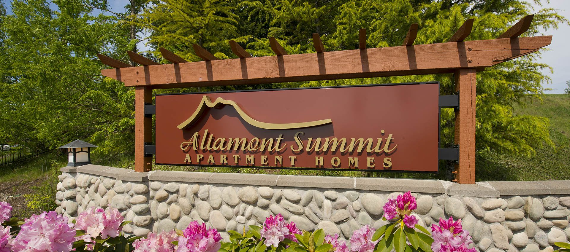 Signage at Altamont Summit in Happy Valley, OR