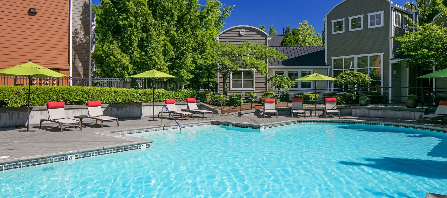 Expansive Pool Deck with Spa at Center Pointe Apartment Homes in Beaverton