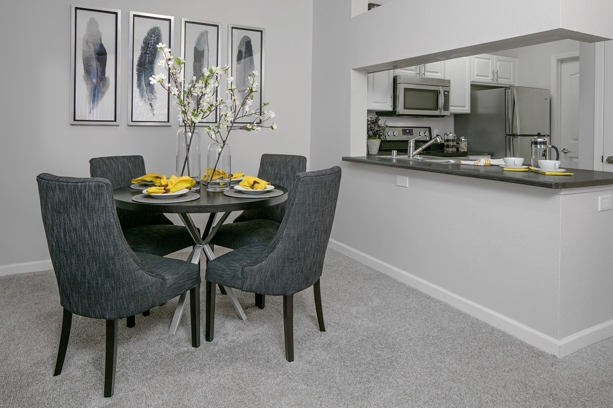 Dining room layout at apartments in Hillsboro