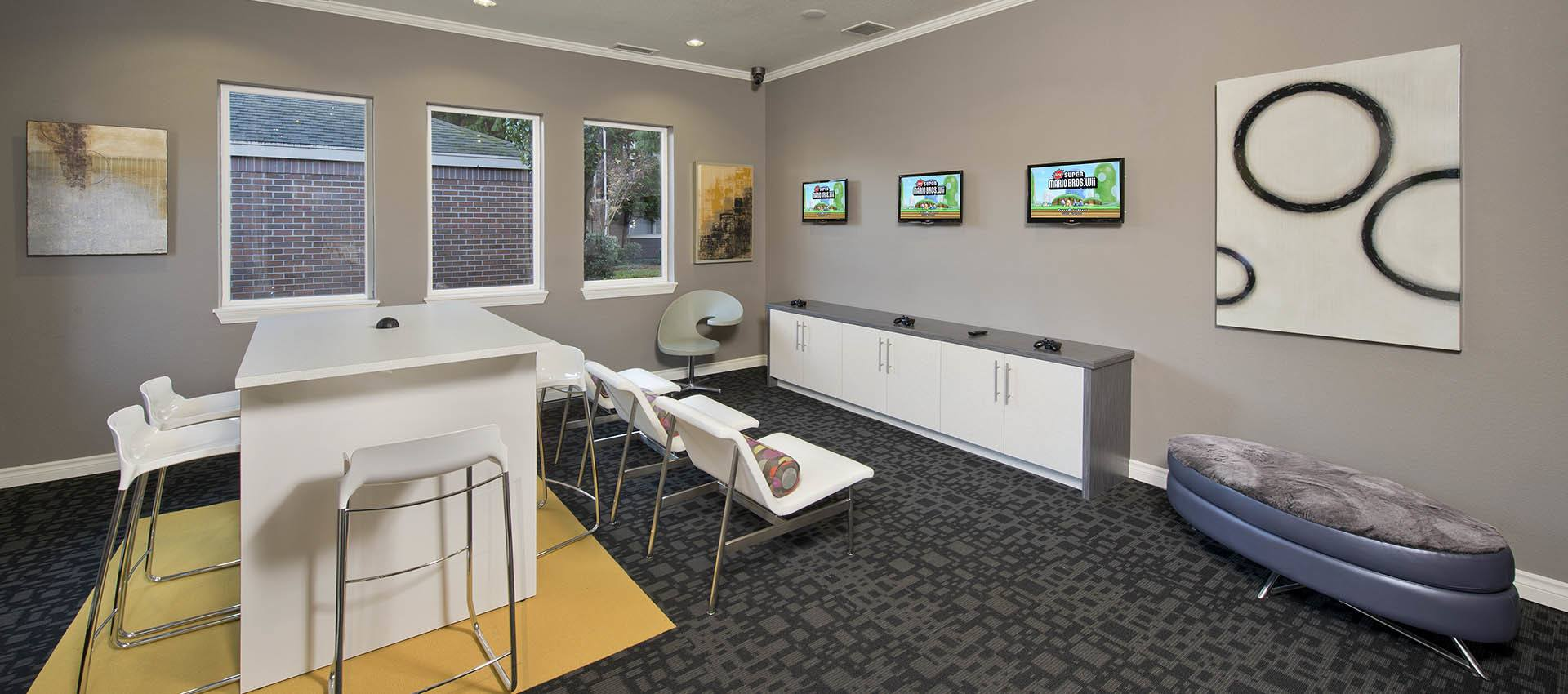 Gaming Lounge at Cortland Village Apartment Homes in Hillsboro