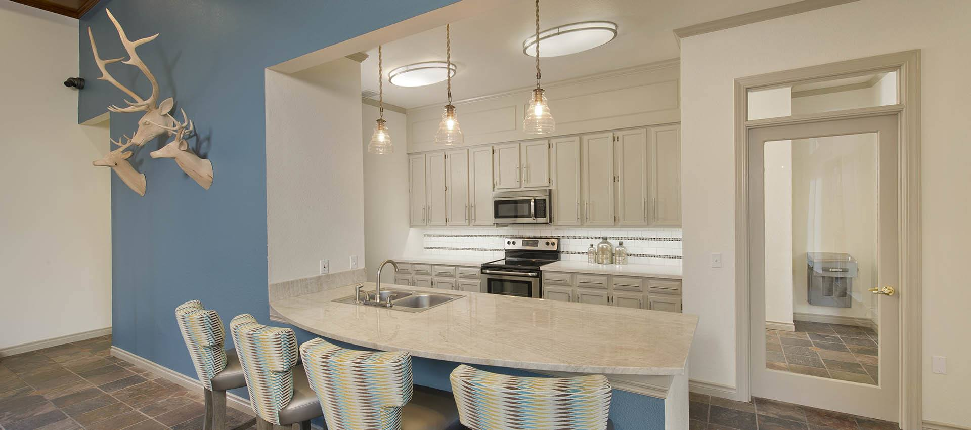 Gathering Kitchen at Cortland Village Apartment Homes in Hillsboro