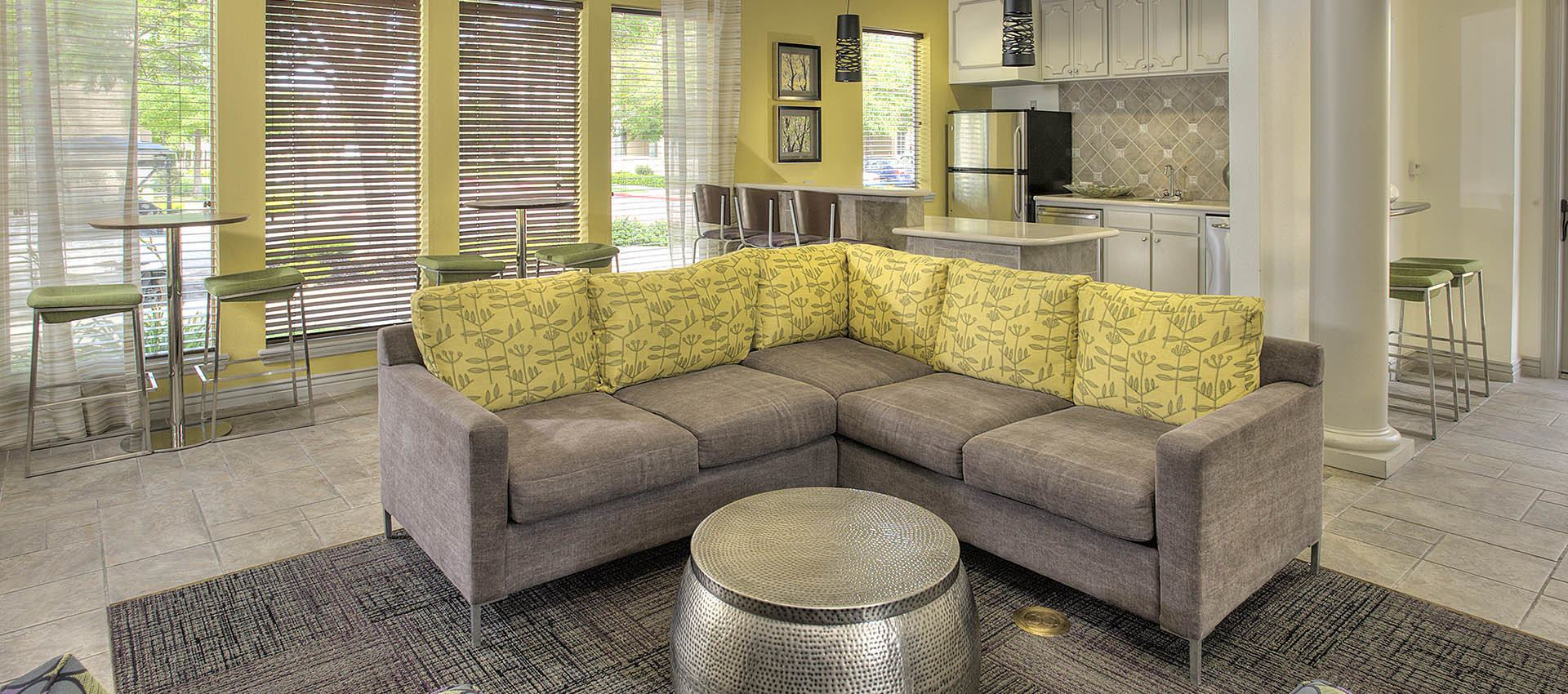 Clubhouse seating with Gathering Kitchen at Cross Pointe Apartment Homes in Antioch