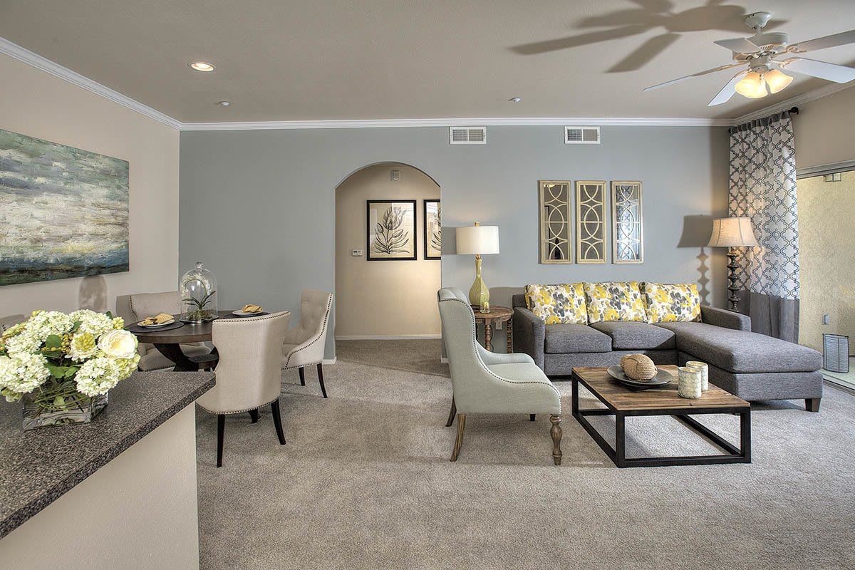 Spacious Living Area at Cross Pointe Apartment Homes in Antioch