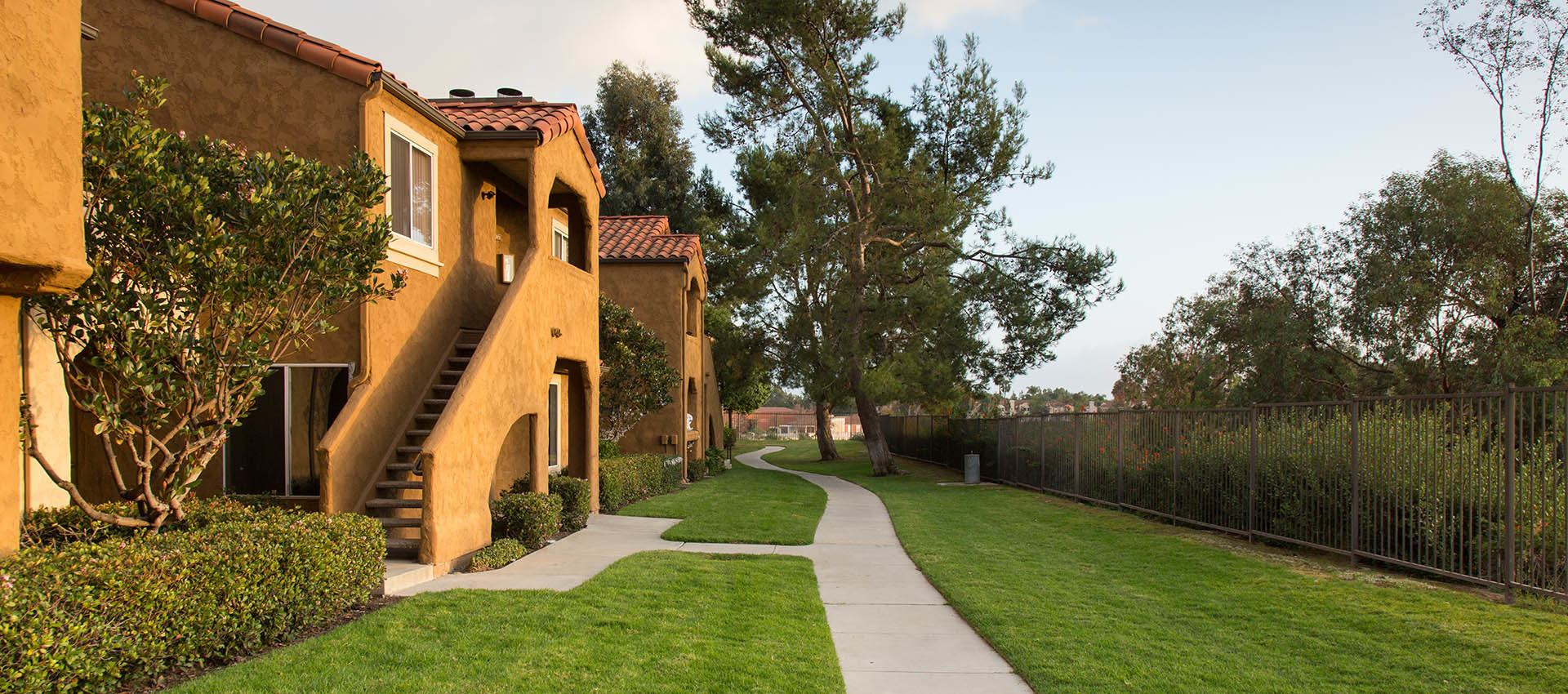 Pathway Thru Grass at Hidden Hills Condominium Rentals in Laguna Niguel, CA