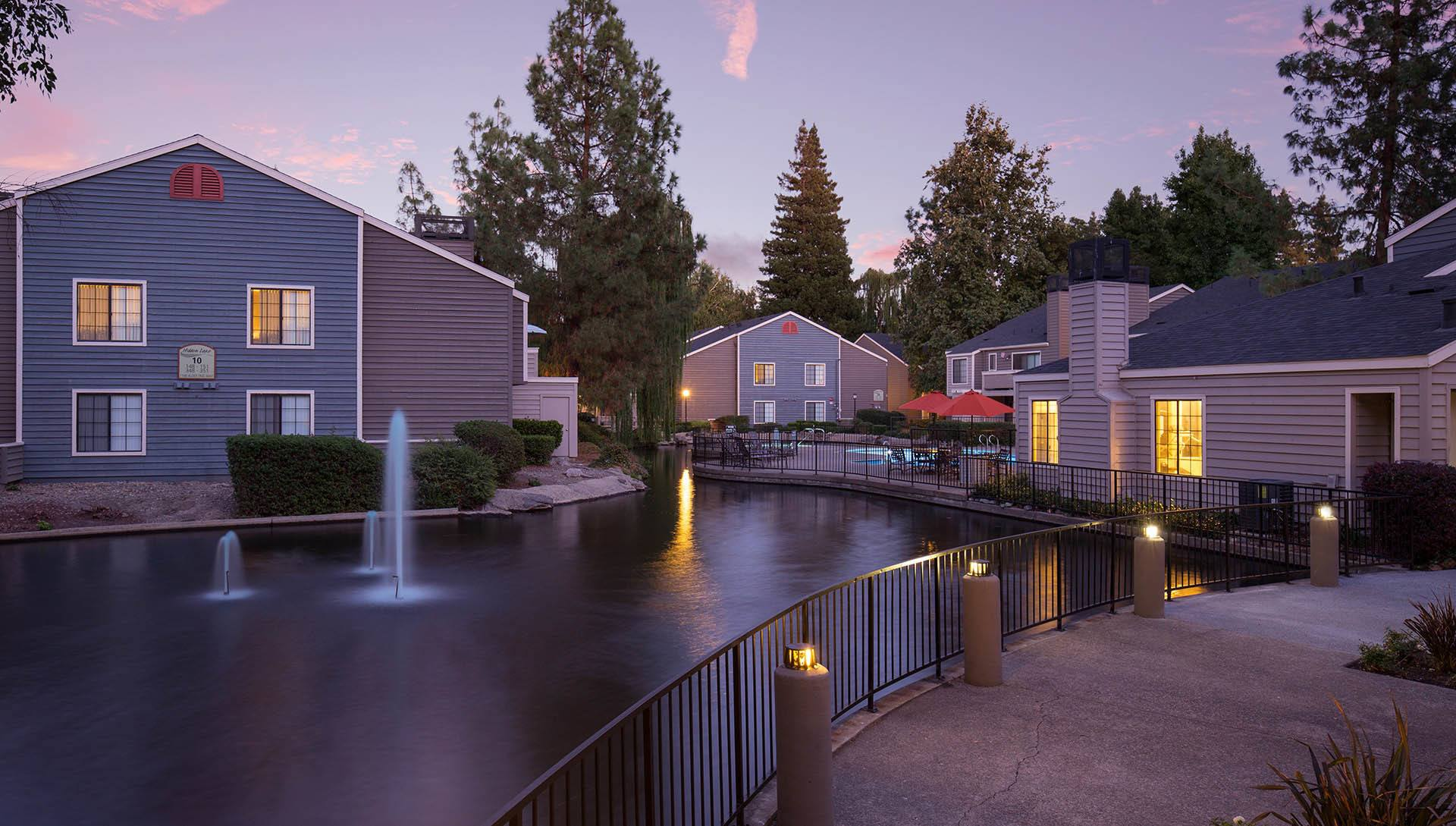 Apartments at Hidden Lake Condominium Rentals in Sacramento, California