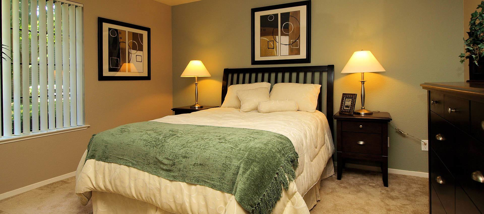 Master Bedroom at Hidden Lake Condominium Rentals in Sacramento, California