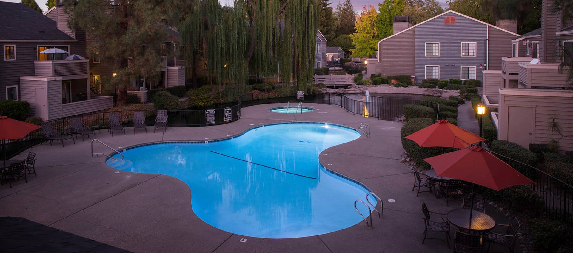 Resort Style Swimming Pool at Hidden Lake Condominium Rentals in Sacramento, CA