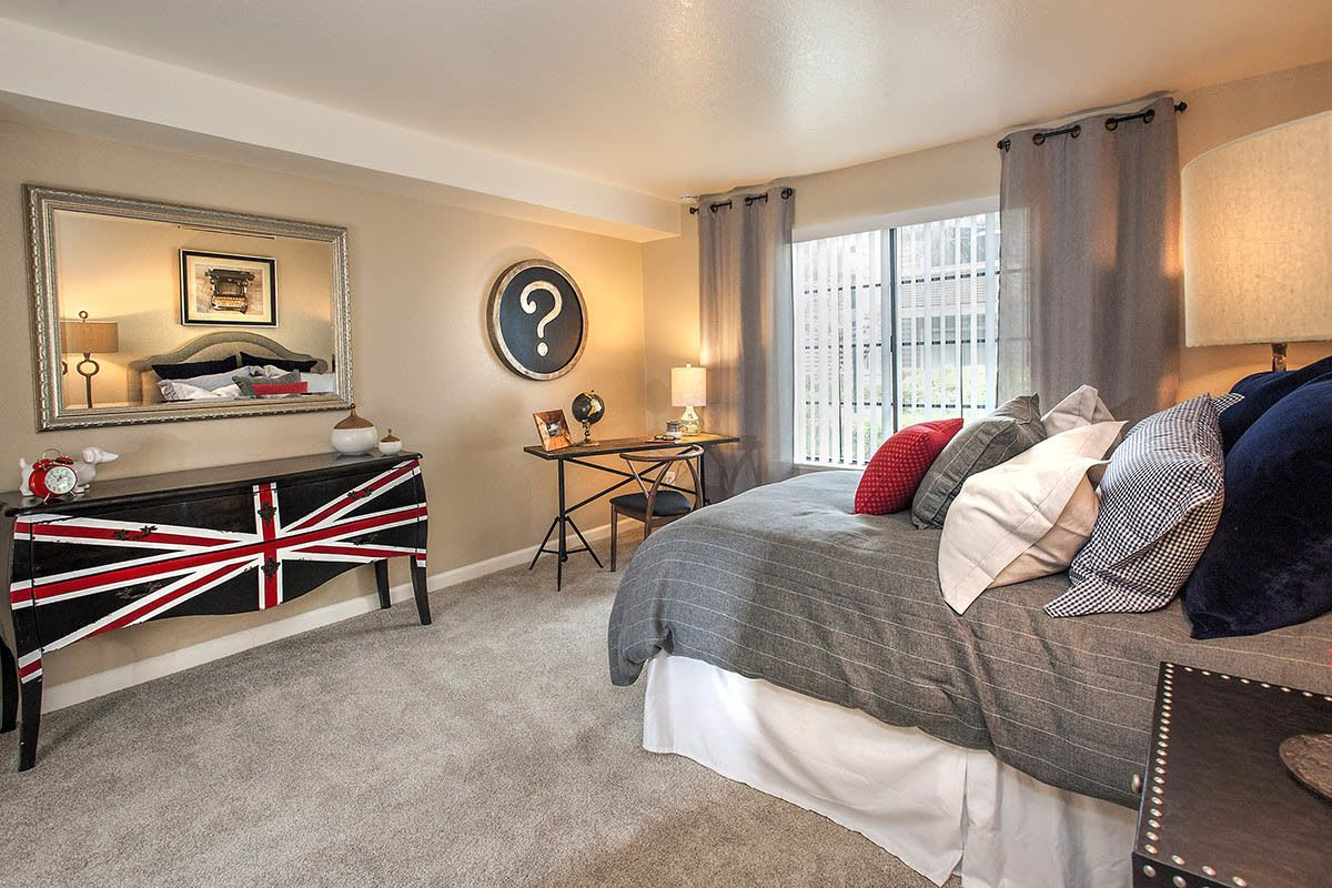 Spacious Master Bedroom at Hidden Lake Condominium Rentals