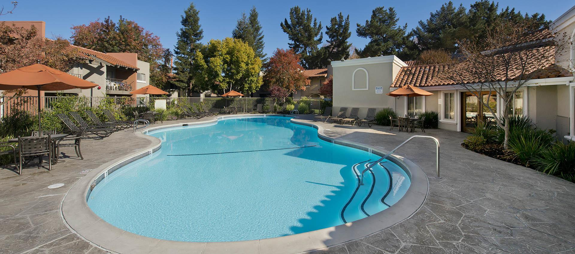 Expansive Pool Deck at La Valencia Apartment Homes in Campbell, CA