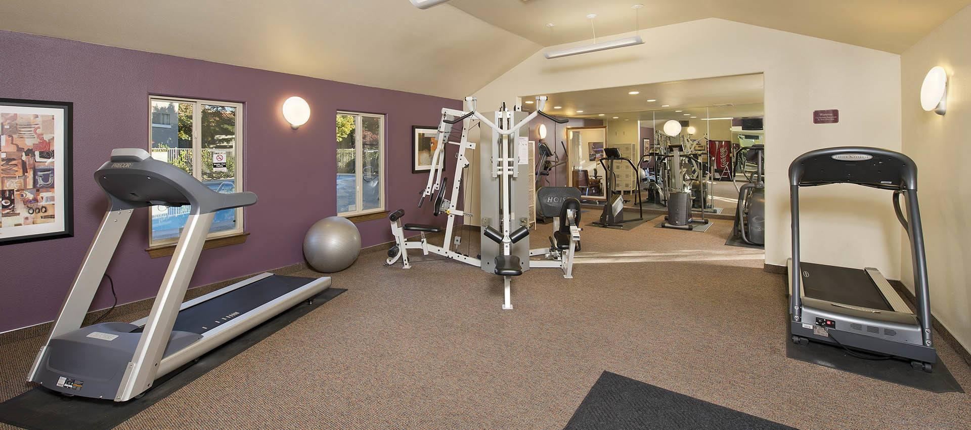 Fitness Center at La Valencia Apartment Homes in Campbell