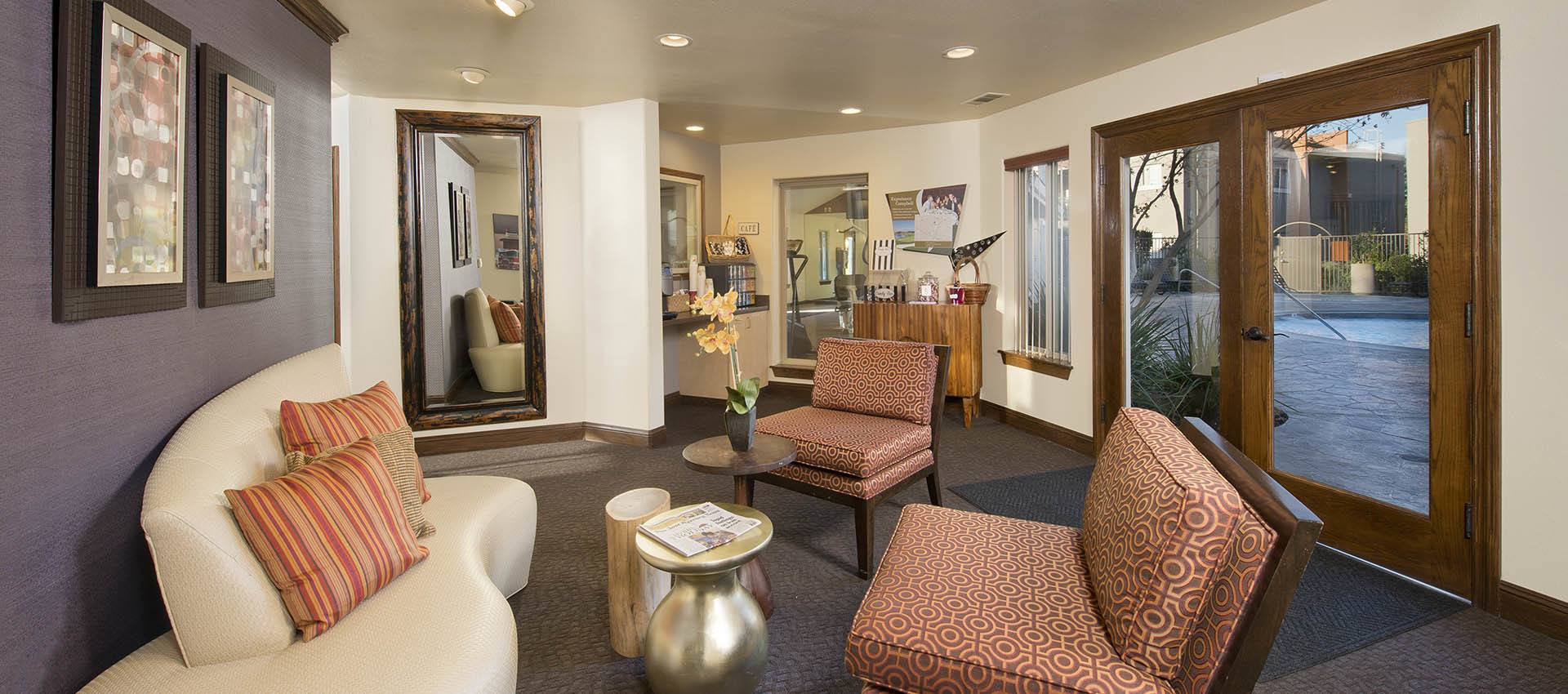 Community Lounge at La Valencia Apartment Homes in Campbell