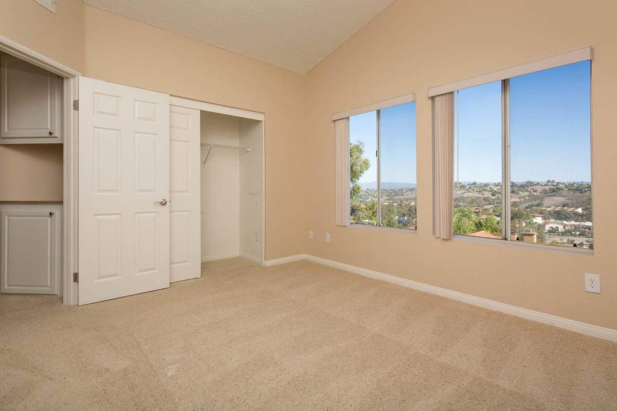 Large Bedroom at Niguel Summit Condominium Rentals