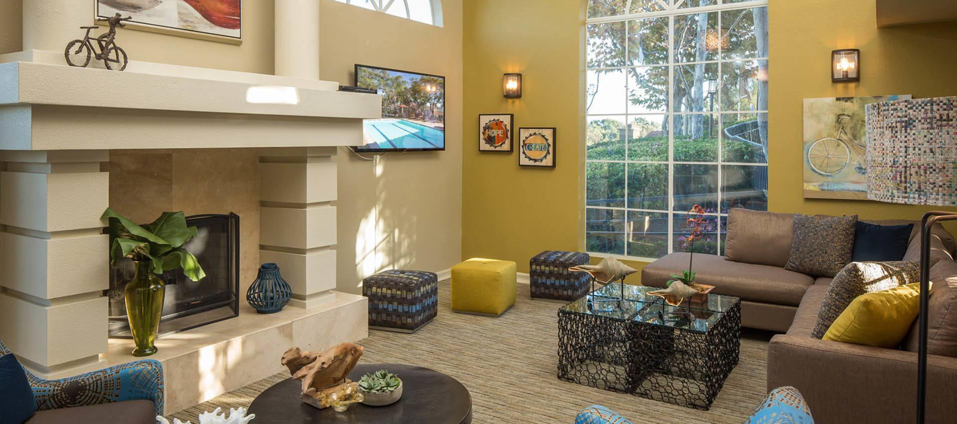 Resident's clubhouse with kitchen at Niguel Summit Condominium Rentals in Laguna Niguel, California