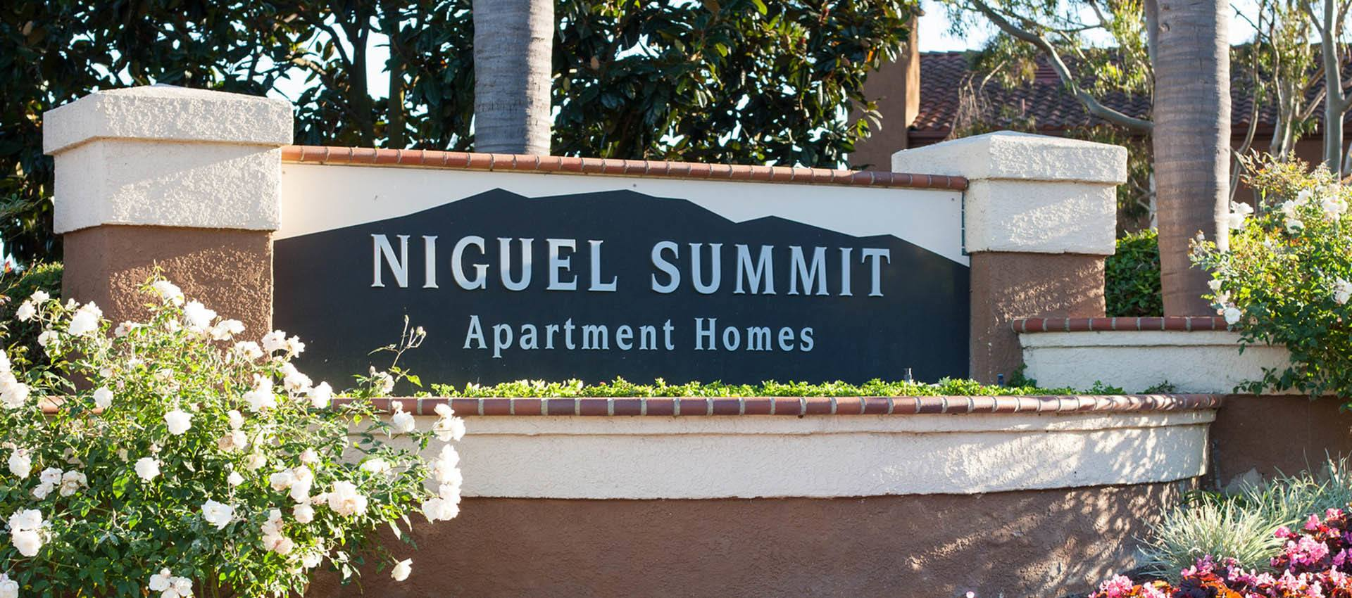 Signage at Niguel Summit Condominium Rentals in Laguna Niguel, CA