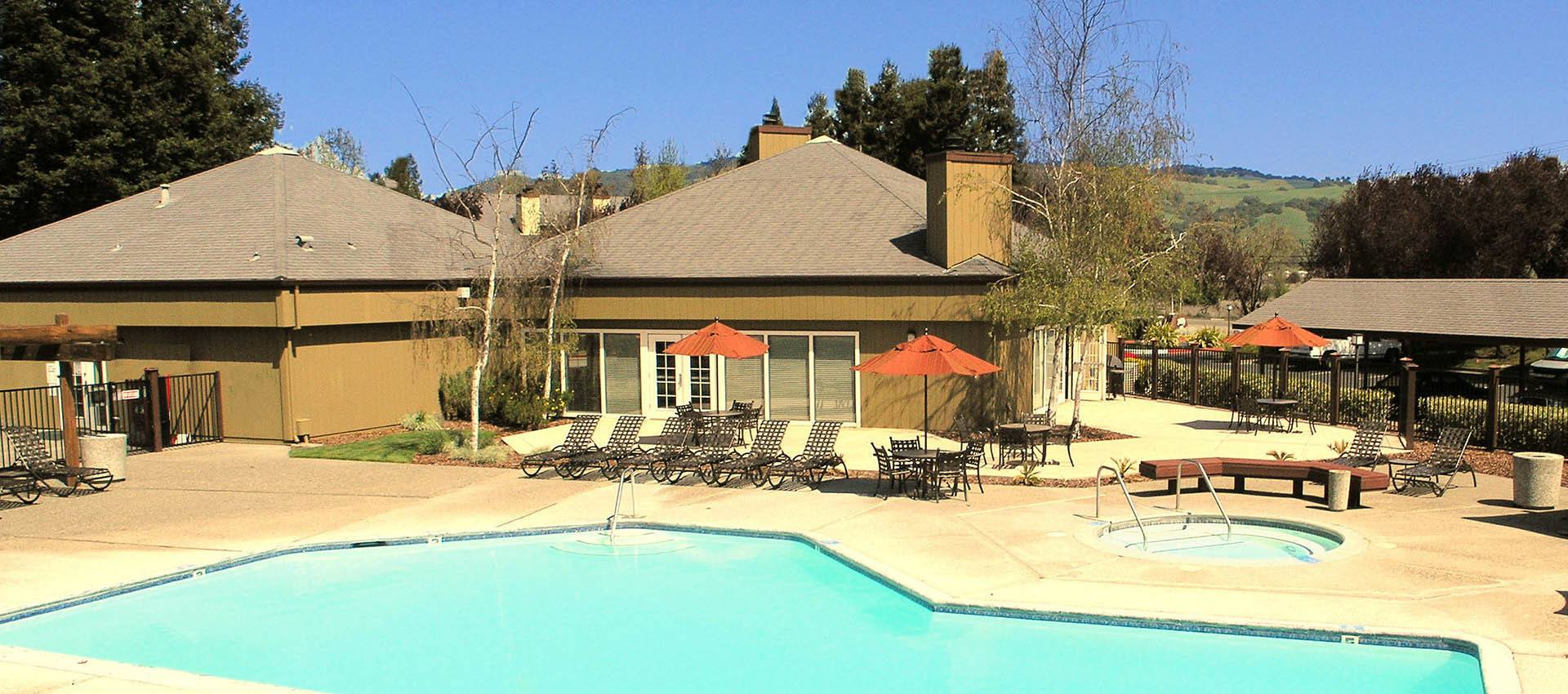 Outdoor poolat Park Ridge Apartment Homes in Rohnert Park, CA