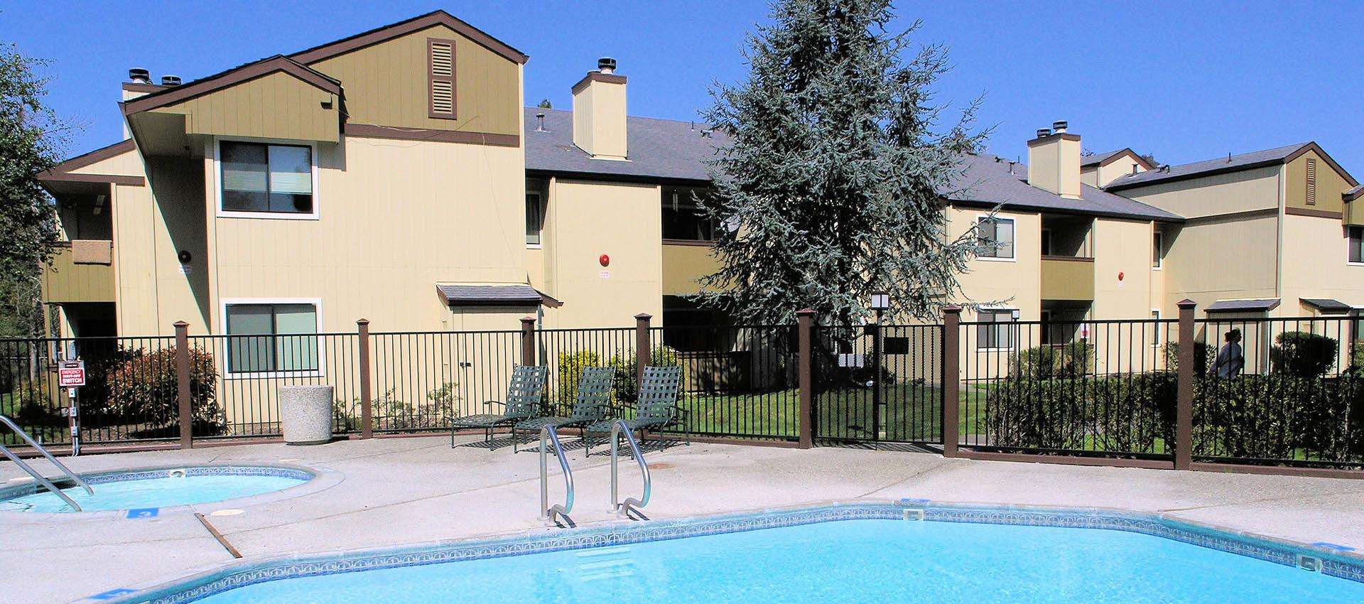 Beautiful poolat Park Ridge Apartment Homes in Rohnert Park, CA