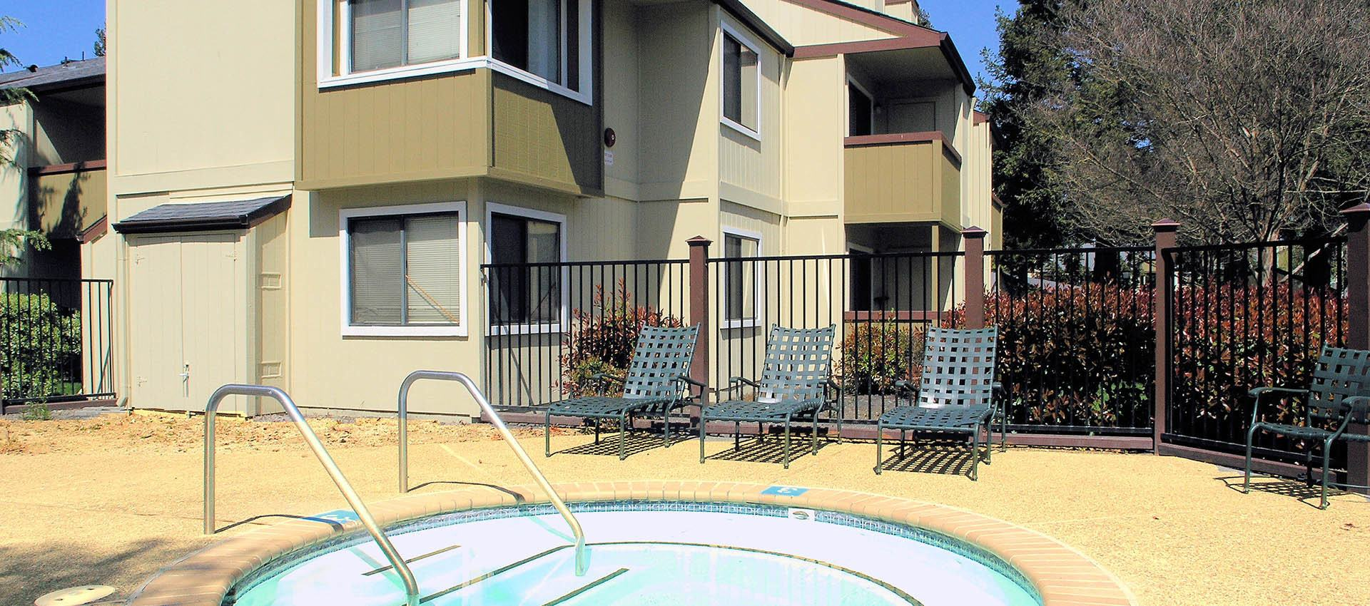 Hot tub at apartments in Rohnert Park, CA