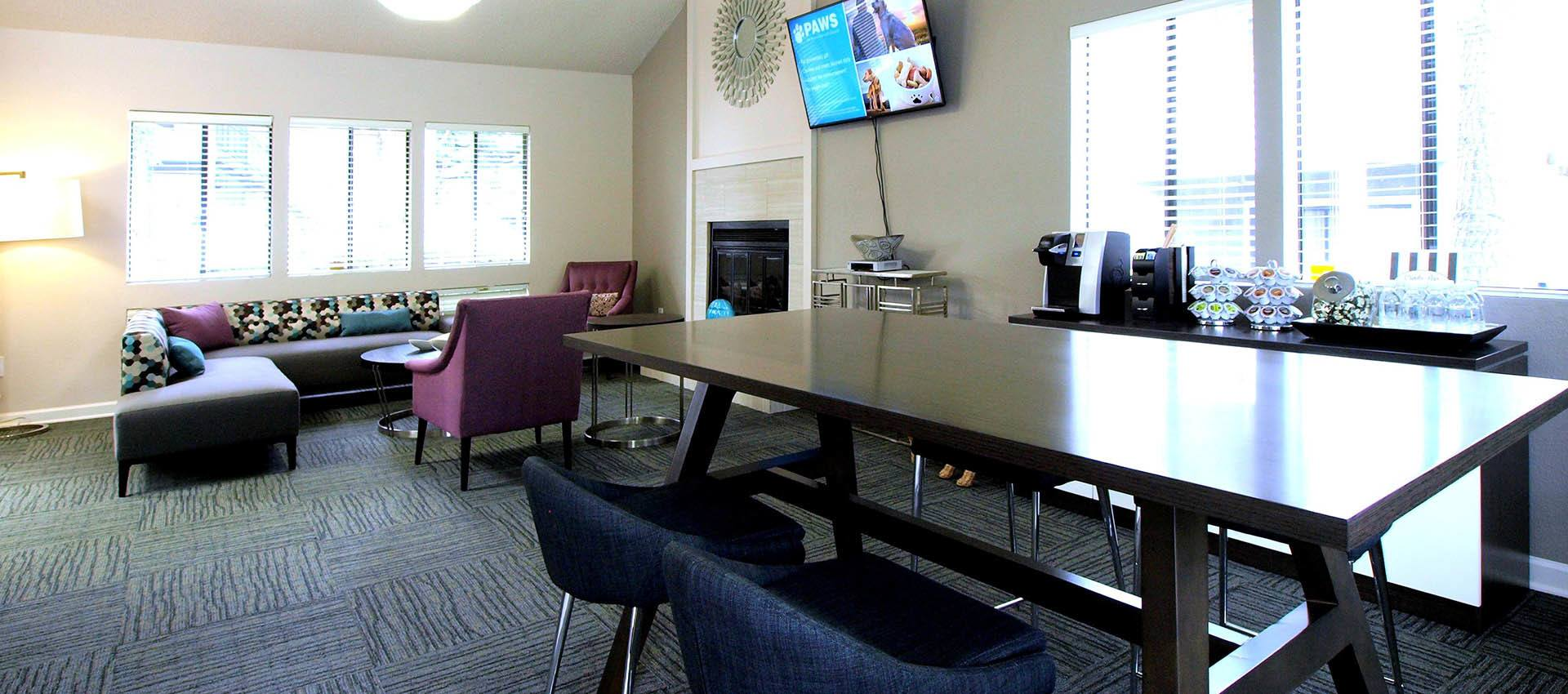 Resident Lounge at Plum Tree Apartment Homes in Martinez, California