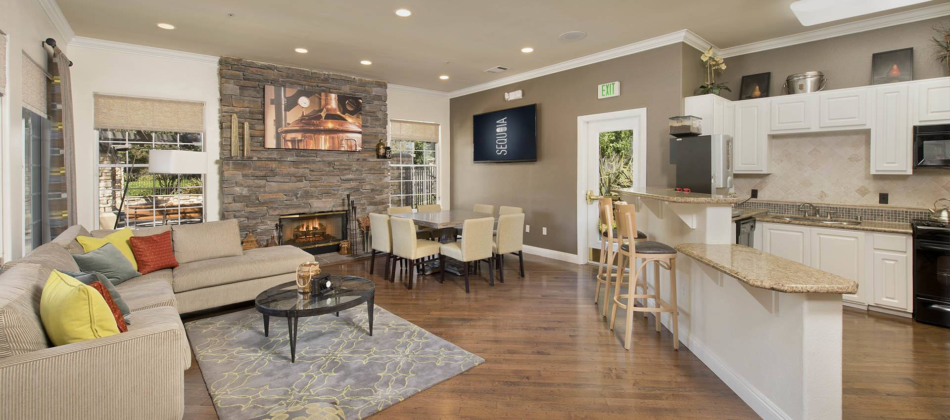 Clubhouse Seating Area at River Oaks Apartment Homes in Vacaville