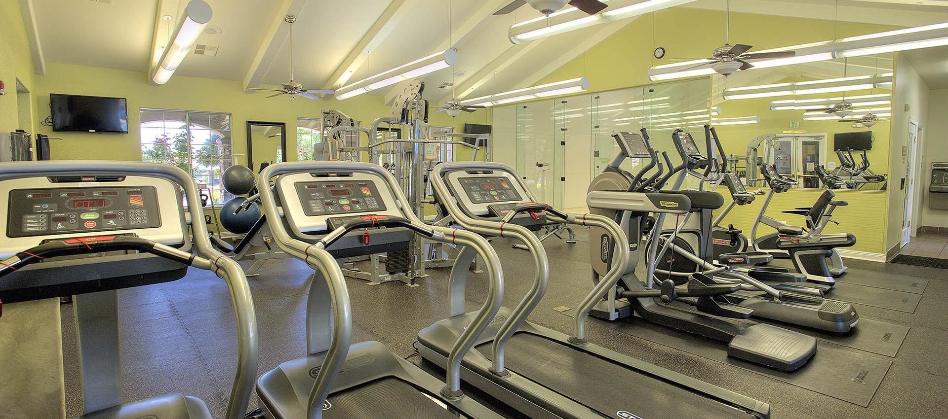 Fitness Center at River Oaks Apartment Homes in Vacaville