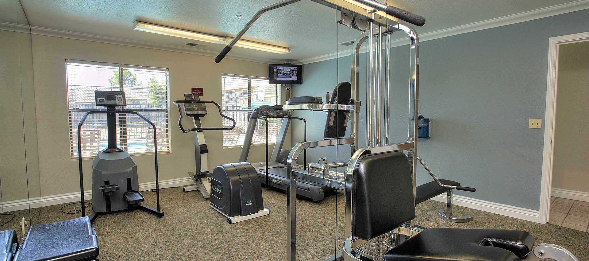 Fitness center at Sandpiper Village Apartment Homes