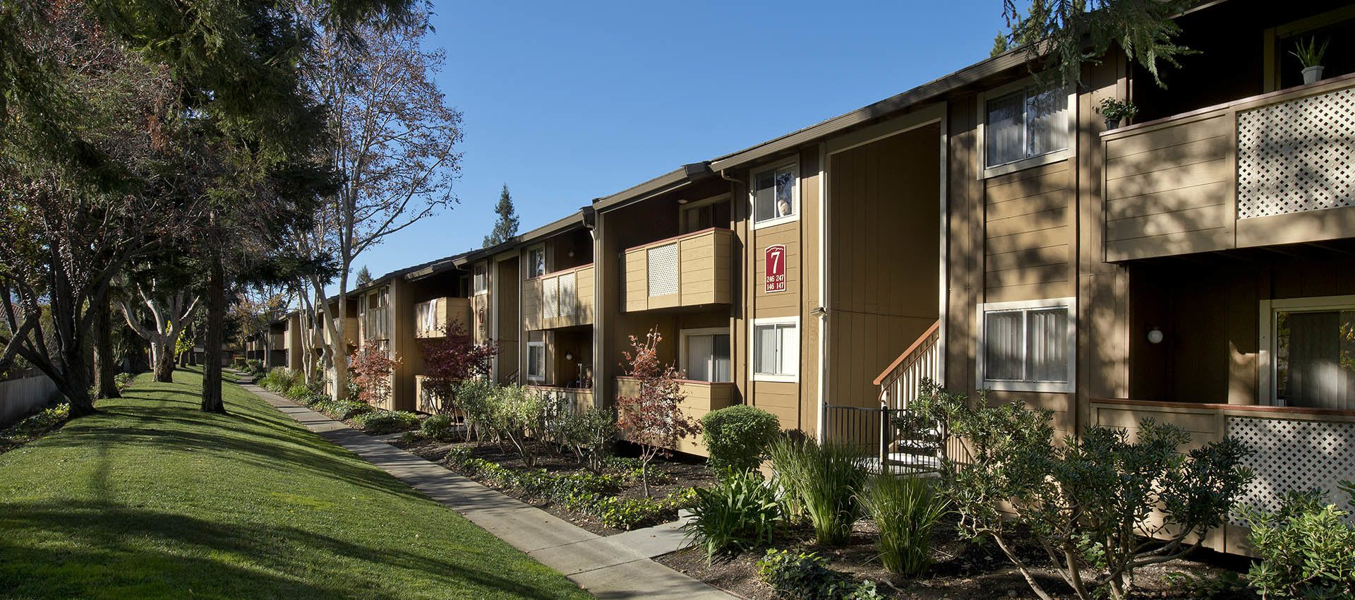 Exterior Or Apartments With Beautiful Trees at Shadow Oaks Apartment Homes in Cupertino