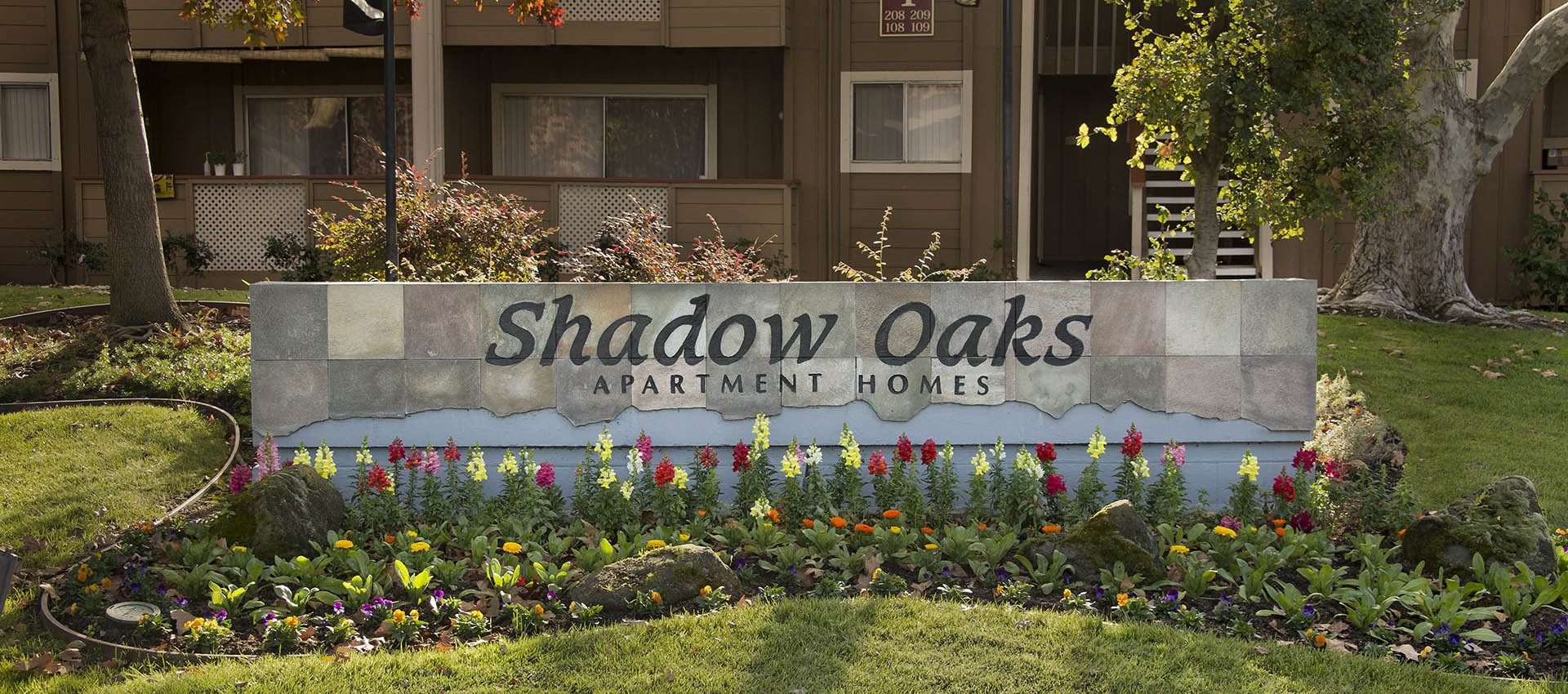 Signage at Shadow Oaks Apartment Homes in Cupertino