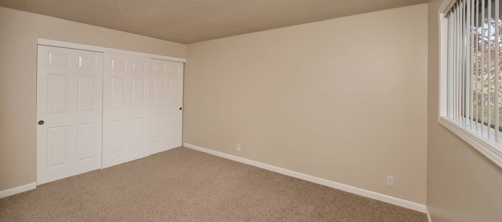 Spacious Bedroom With Large Closet at Shadow Oaks Apartment Homes in Cupertino