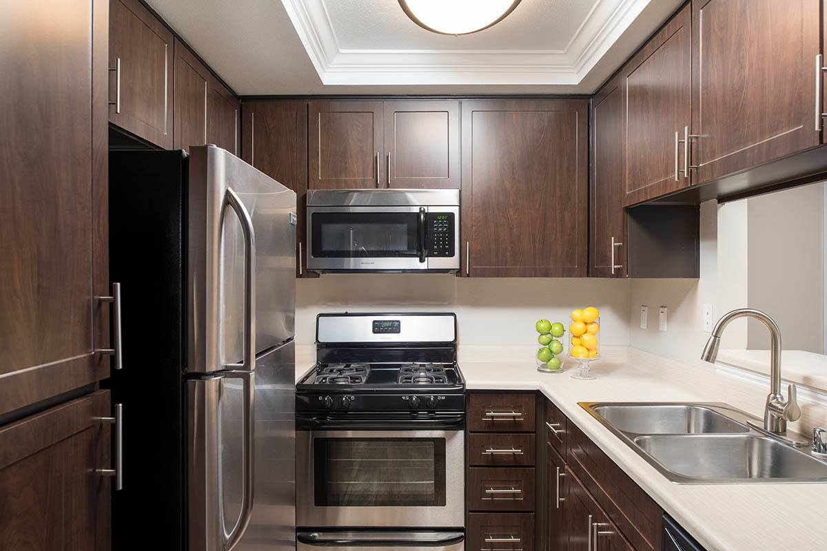 Luxury kitchen layout at apartments in Simi Valley