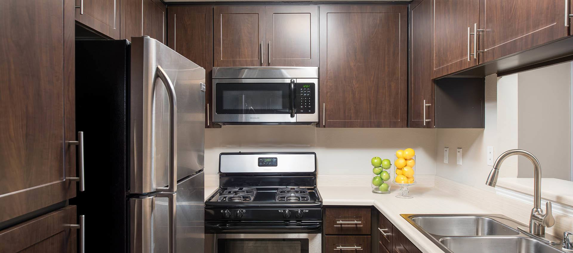Kitchen appliances at Shadow Ridge Apartment Homes in Simi Valley, CA