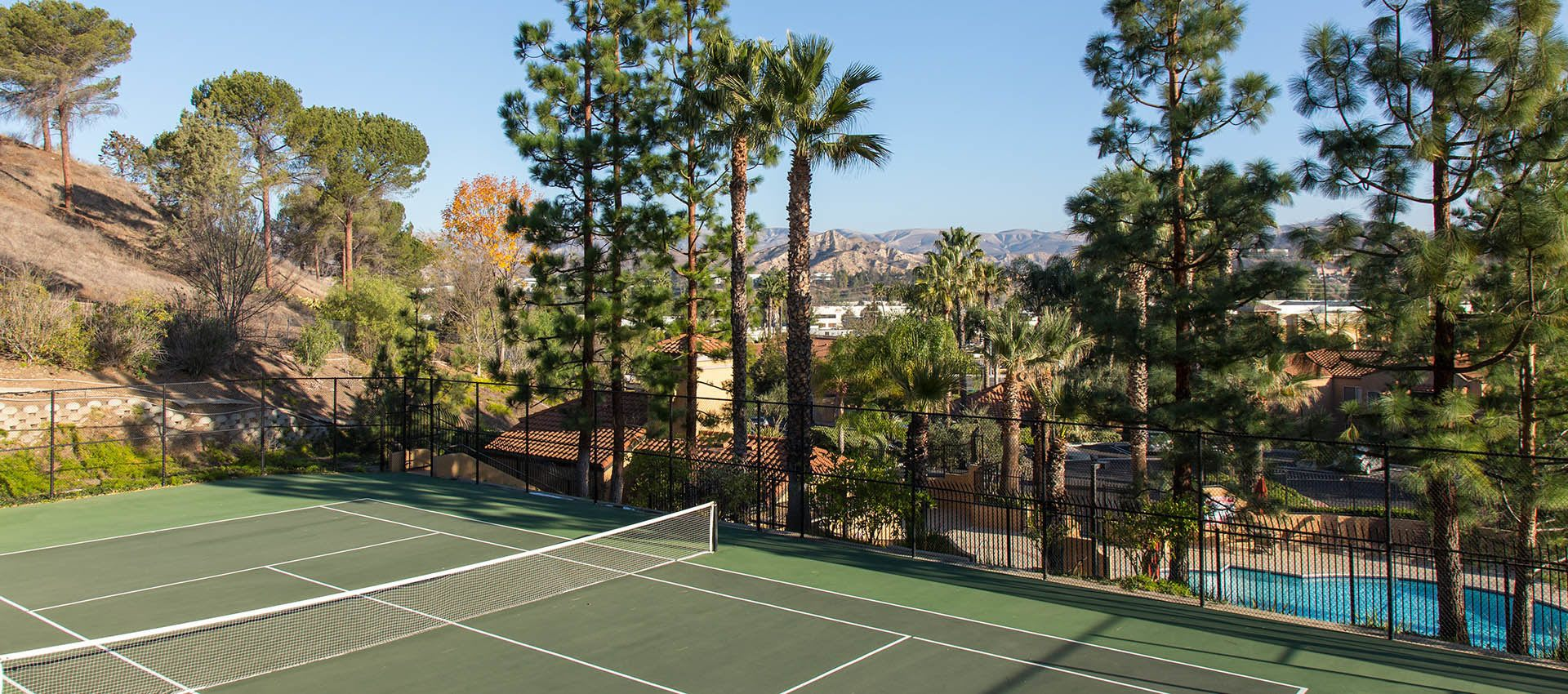 Tennis courts at Shadow Ridge Apartment Homes in Simi Valley, CA