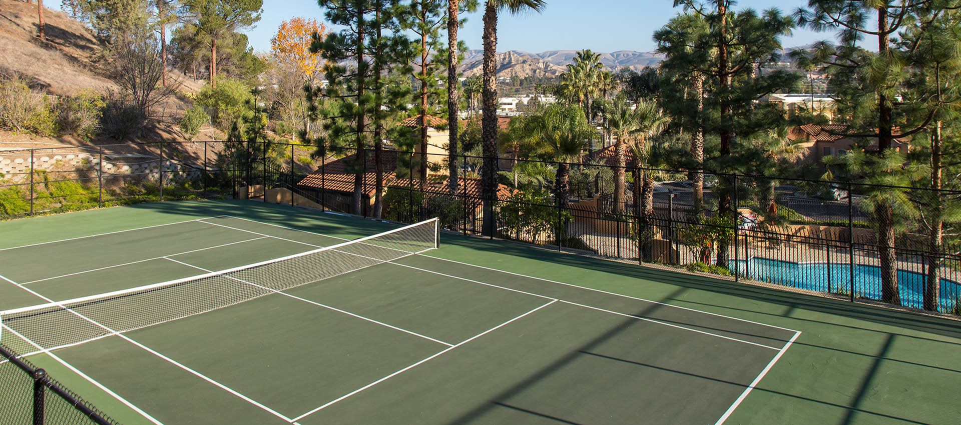 Tennis Court at Shadow Ridge Apartment Homes in Simi Valley