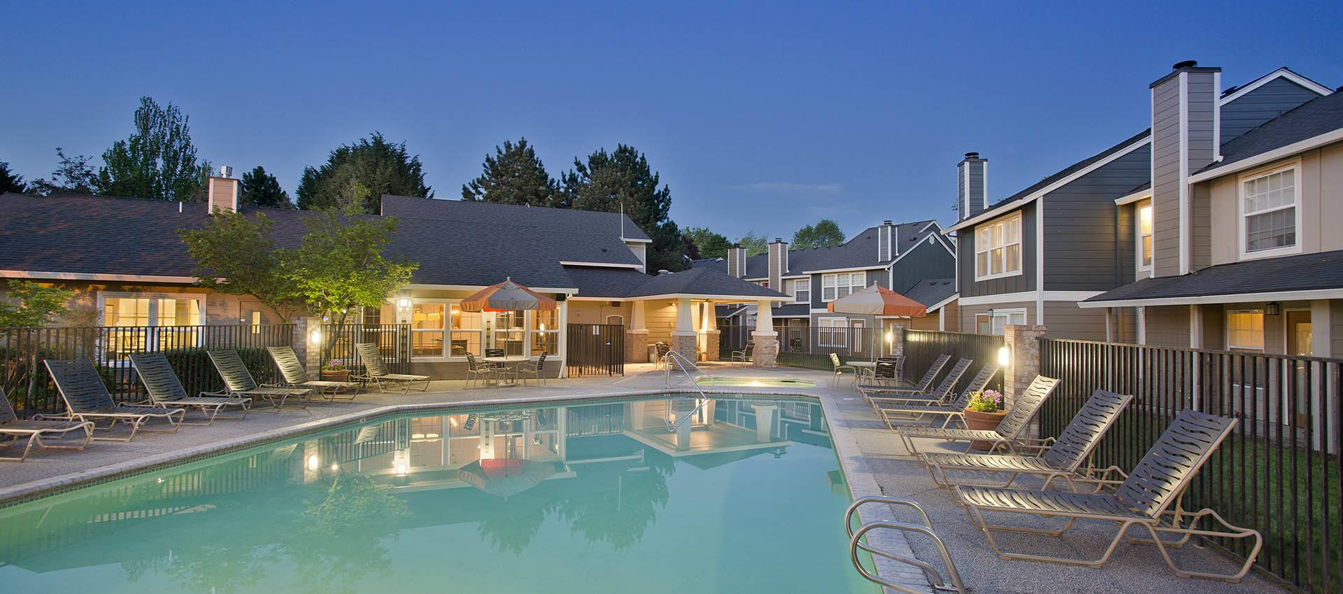 Pool at Slate Ridge at Fisher's Landing Apartment Homes in Vancouver, WA