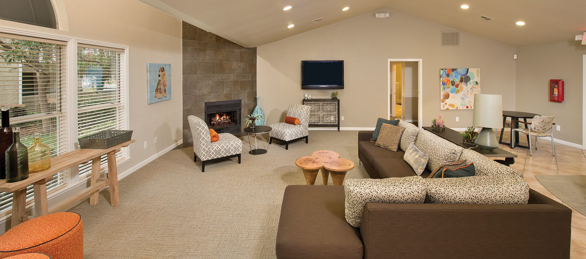 Resident Lounge at Sterling Heights Apartment Homes in Benicia